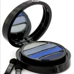 Armani eye to kill blue eyeshadow palette